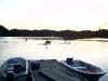 Zwei Boote am Steg