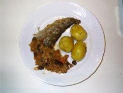 fisch-mit-rosinen-und-baumnuessen-1