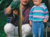 papa-mit-sohn-und-aal