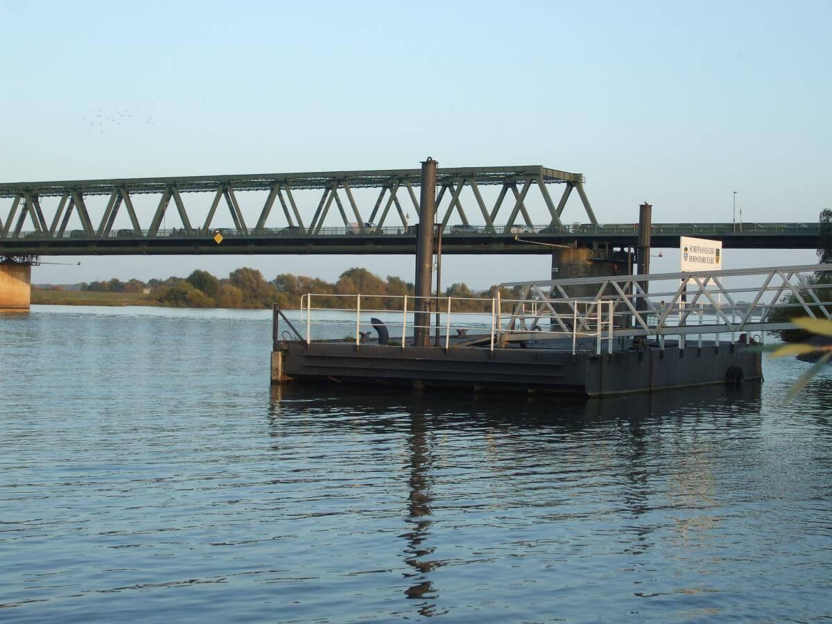 Aalangeln im Hamburger Hafen