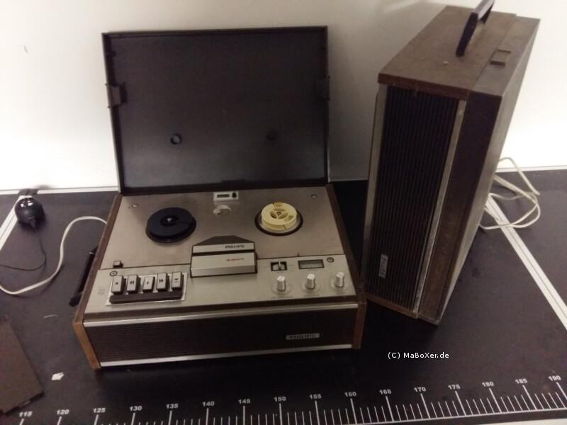 2 alte Tonbandgeräte